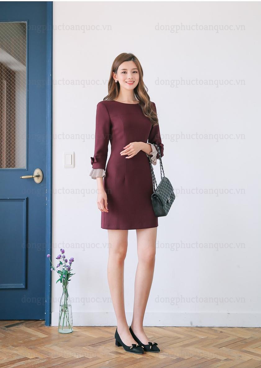 Mẫu đồng phục đầm liền thân đẹp cho bạn gái công sở diện Thu Đông 2018 79d