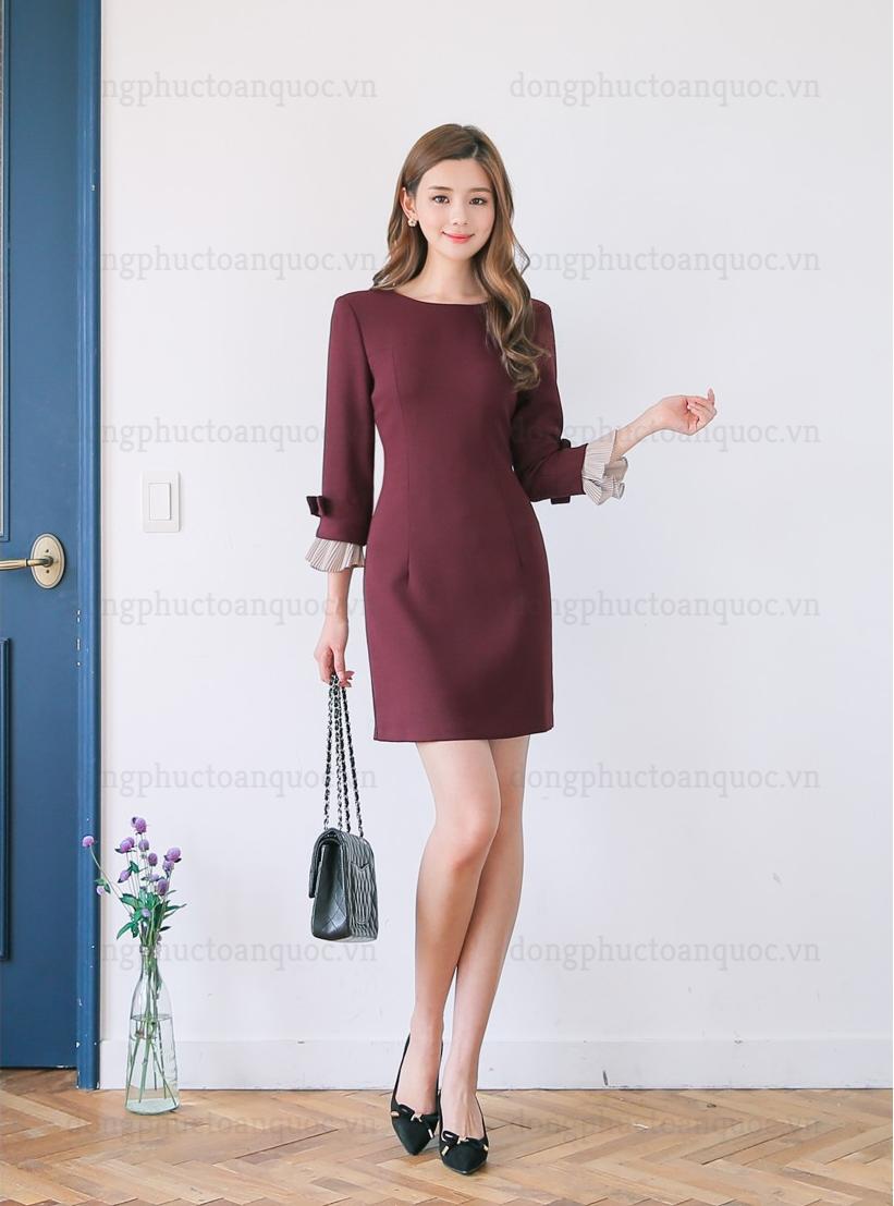 Mẫu đồng phục đầm liền thân đẹp cho bạn gái công sở diện Thu Đông 2018 79v