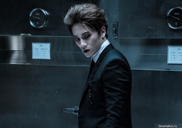Чжи Сон   Ji Sung - Страница 2 Ji-sung-portrays-a-vampire-in-an-upcomin-600