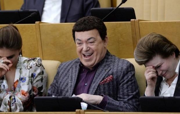 Зарплату депутатам госдумы в 2016 году повысят в 2 раза — до 800 тысяч рублей Gosduma_112-620x396