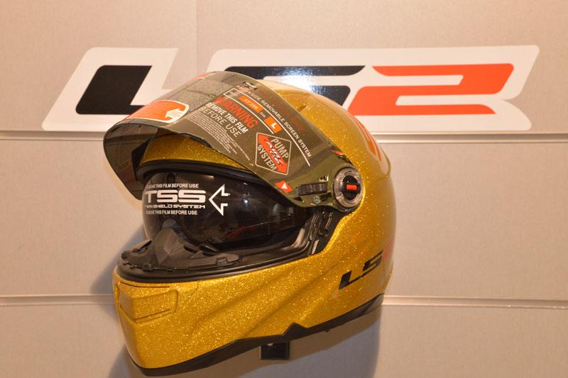 2 RUEDAS - Motorbike Showroom Valencia 8-10 noviembre 2013 Casco_ls2