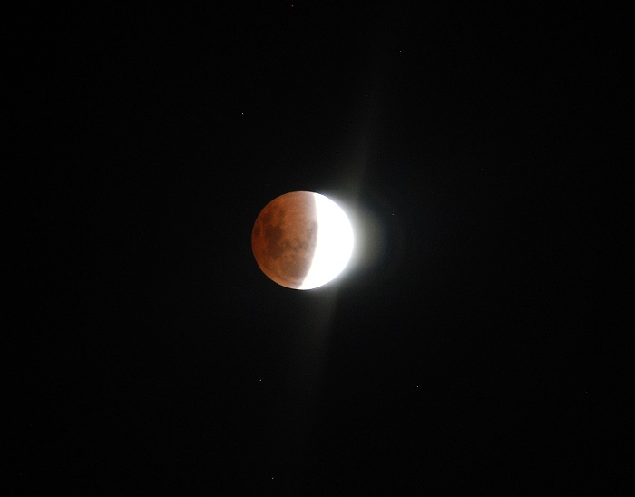 I'm considering a relocation to Florida. Lunar_eclipse_best2