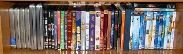 Postez les photos de votre collection de DVD Disney ! Disney_etage_5
