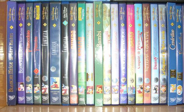 Postez les photos de votre collection de DVD Disney ! Etage1_1