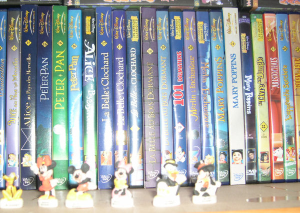 Postez les photos de votre collection de DVD Disney ! Etage1_2