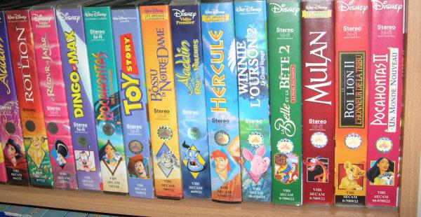 Postez les photos de votre collection de DVD Disney ! Video_etage2_2