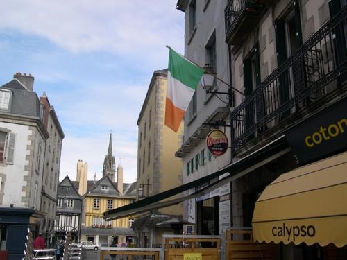 Les Drapeaux......... - Page 2 M-9_Le_drapeau_irlandais___Kemper