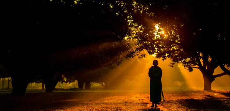 7 Zen Stories That Will Help You Shift Your Perspective on Things Zen-monk-790x381