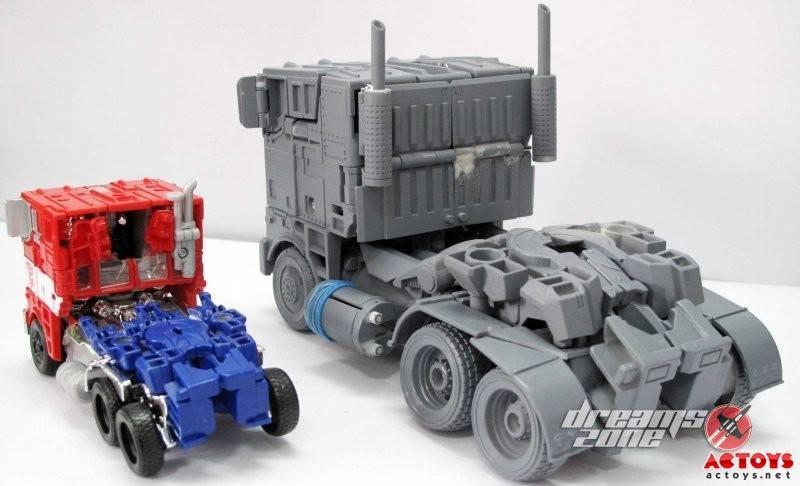 [WJ Toys - Weijiang] KO - M01, M02, etc. - Basé sur les Films TF 3rd-Party-Over-Size-Evasion-Optimus-Prime-11