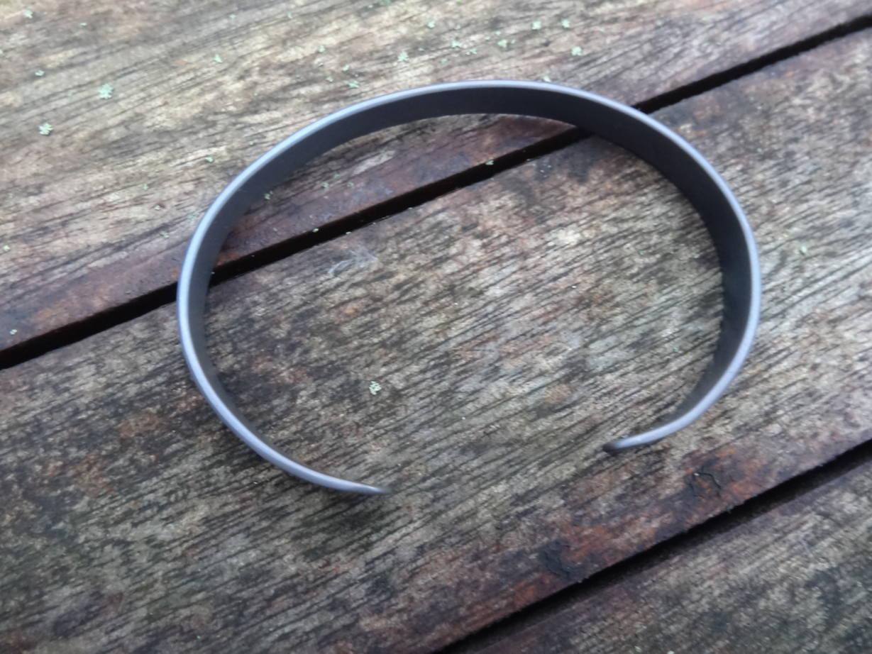 Mes cadeaux de noël (bracelets et bague titane) DSC08237