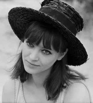 Talentovane i lepe - francuske glumice Anna-Karina-hat