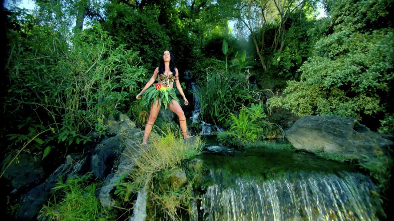 Off-topic: Temas NO Amaia [10] - Página 31 Katy-perry-roar-music-video-09