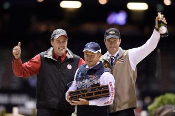 Австралийский драйвер - Бойд Экселл в прошлый уик-энд в восьмой раз подряд выиграл титул чемпиона мира по драйвингу Bordeaux_Podium