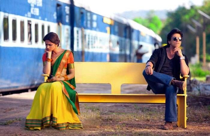 SRK, Deepika and Rohit Shetty at posters of Chennai Express Srk-deepika
