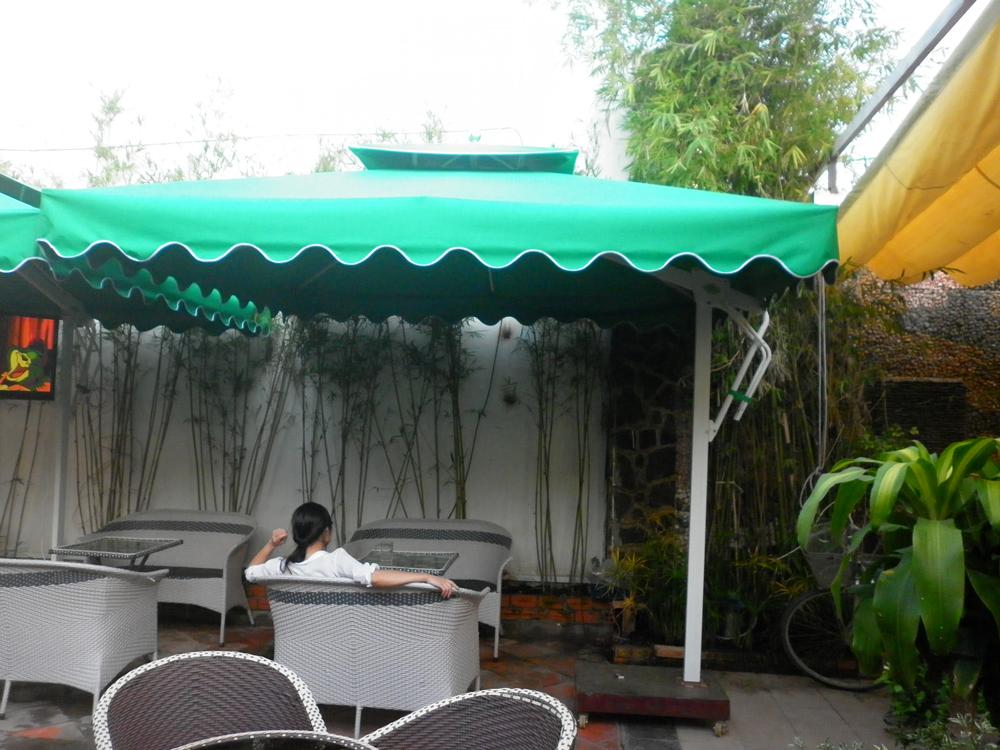 Sản phẩm cần bán: Những loại dù che quán cafe thường được sử dụng Du-cafe-1