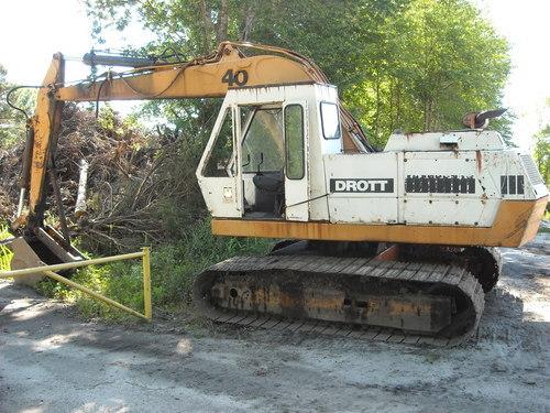 cruz air  escavatore gommato case drott DSCN3917