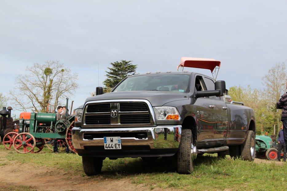 un 411 parmi les tracteurs agricoles à PEZET LE ROBERT (72) 3160370644_2_2_Dk0Rb4tW