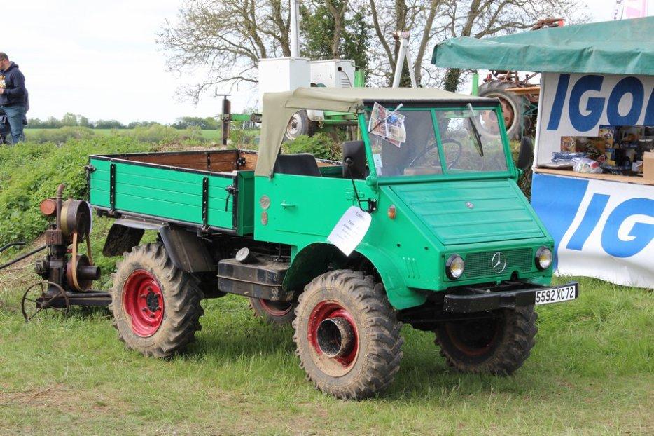 un 411 parmi les tracteurs agricoles à PEZET LE ROBERT (72) 3160370940_2_8_xpSC2kwE