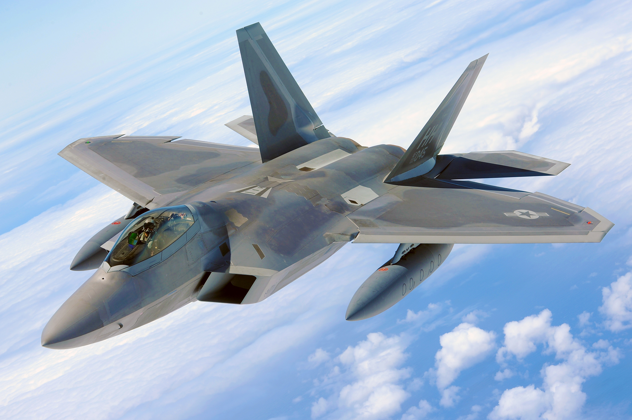 F-22 Raptor [Reto contra KB] F-22_raptor_-_100702-f-4815g-2171