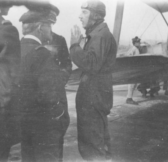 Premier appontage sur un porte avions par le LV Paul Teste Teste_avion2