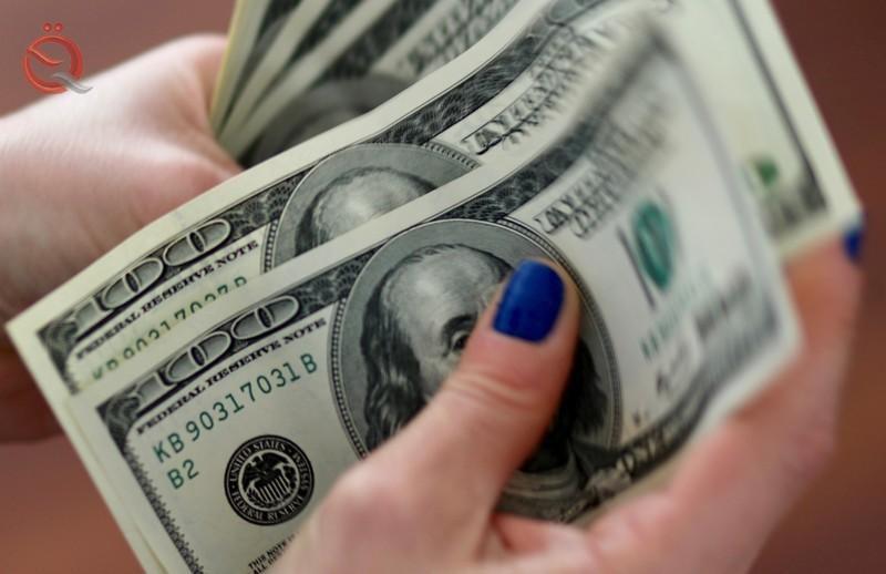 Dollar weakens amid US-China trade talks 17758