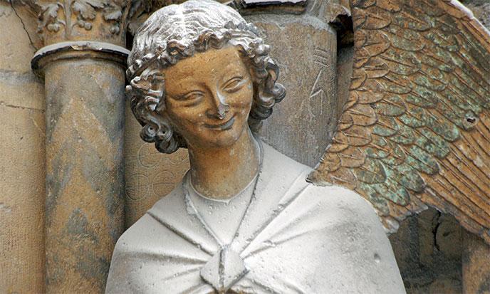 Le libre-choix de Marie. - Page 2 Ange-au-sourire-cathedrale-de-reims-688po