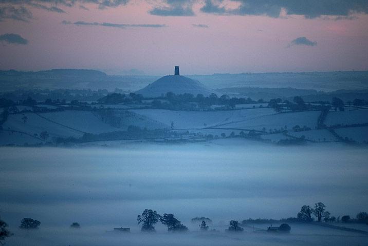 BANNER PICTURES POLL - REDUX Glastonbury-england-mist-002