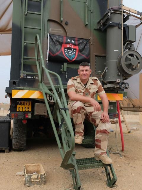 Très belles photos de soldats varois dans la fournaise malienne   Notre envoyé spécial a suivi, à Gao, les militaires varois de l'opération Barkhane. Entre humanitaire et sécurisation, une guerre pour la paix. Immersion. 10-08-2015-09-15-40