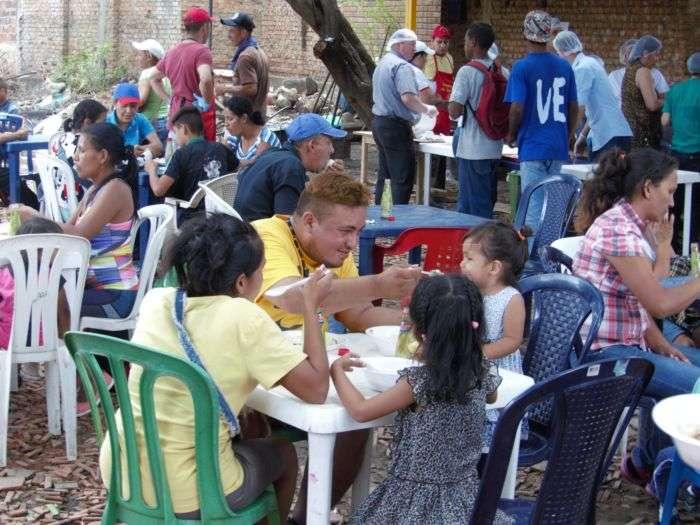 Tag Últimahora en El Foro Militar de Venezuela  Almuerzos-Casa-de-paso-Divina-Providencia