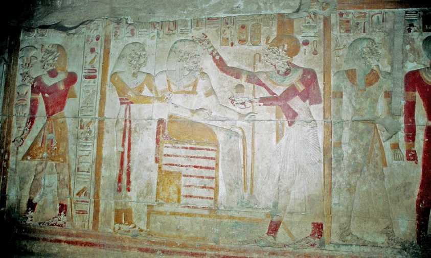 Les étranges oiseaux et hieroglyphes de l'Egypte antique Fh000007