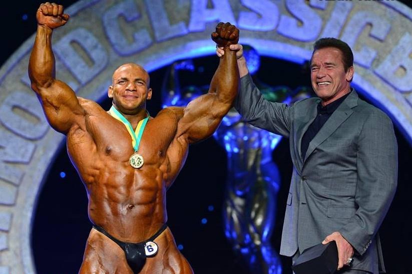¿Cuánto mide Arnold Schwarzenegger? - Altura - Real height - Página 2 11391169_1016581885053681_3118702750314389062_n