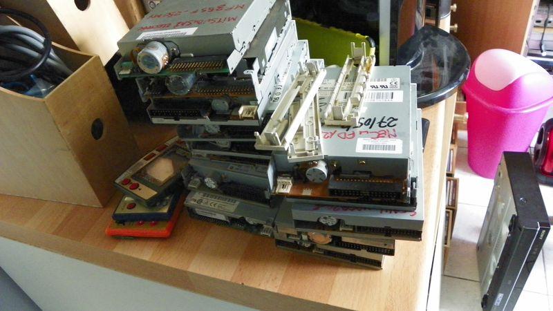Smartphone à la place du lecteur de cassettes. 100_0434_resultat