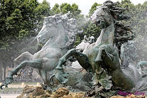 """"""" Les plus belles Fontaines de France et du Monde """" ZBm-JV-8Z1xMwvvGfADozGRaQ3M"""