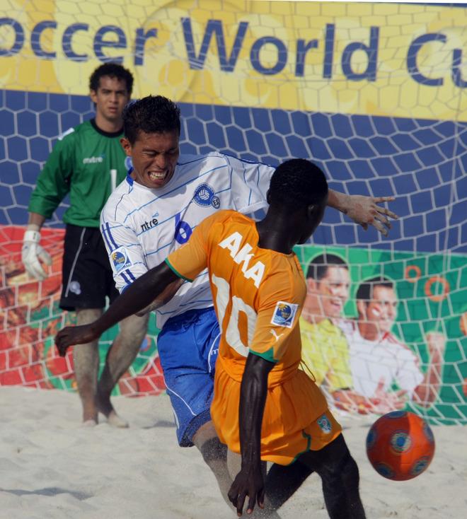 Mundial Dubai 2009: El Salvador 6 Costa de Marfil 7. PlayaFutbol-Dubai09-ES6CDM7-Ramirez2