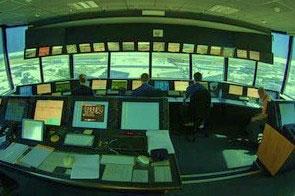 Tráfego - [Brasil] União estuda desmilitarizar sistema que controla tráfego aéreo no Brasil 20091021013337-contr-trafego-aereo