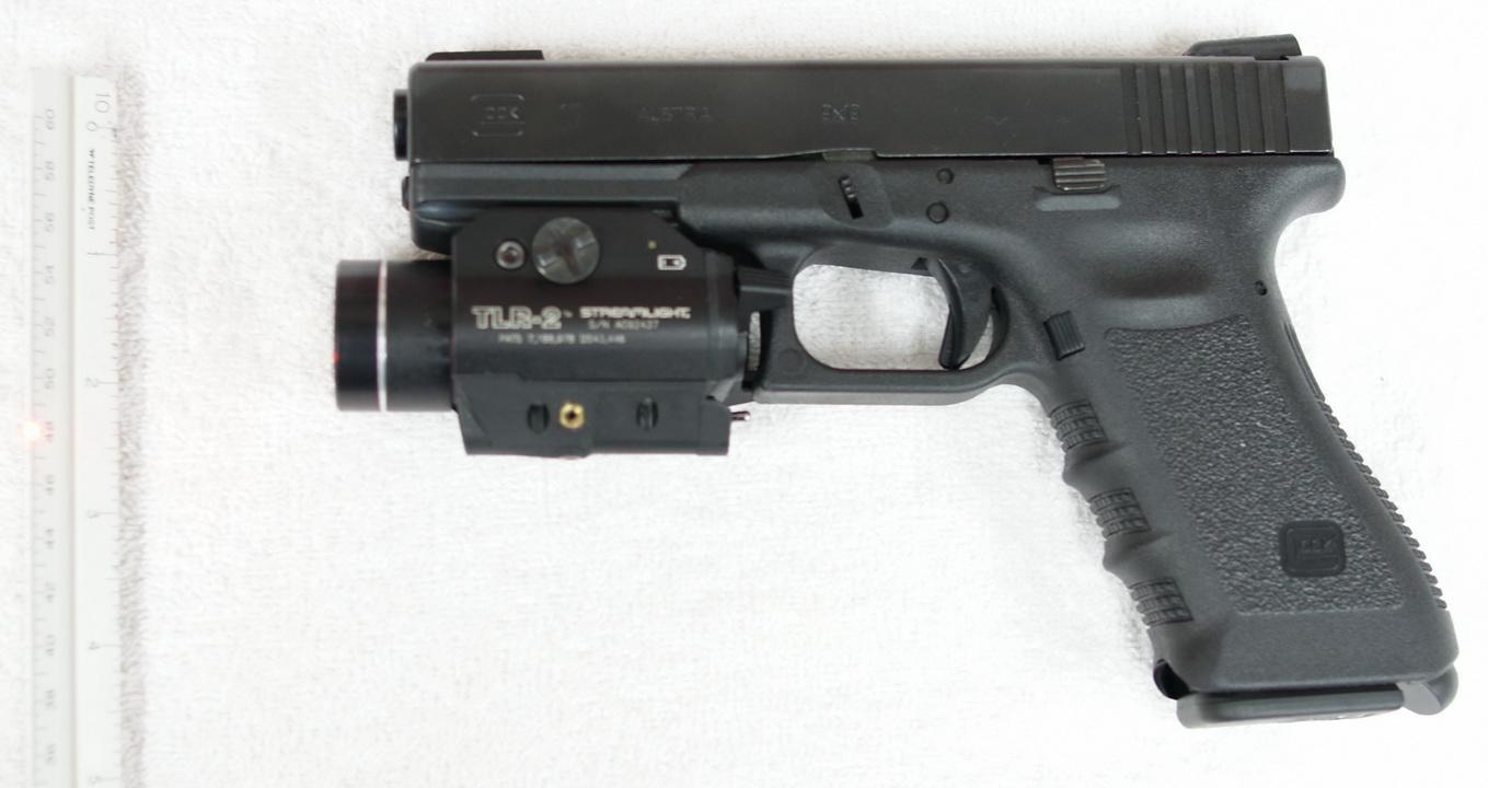 Alexandrer Lindströn - Lobisomem Glock17_w_TLR-2
