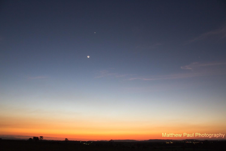 Dramatic pairing of moon with Venus after sunset September 8 Moon-venus-9-8-2013-Ipswich-Queensland-Australia-Matthew-Paul-e1378643089713