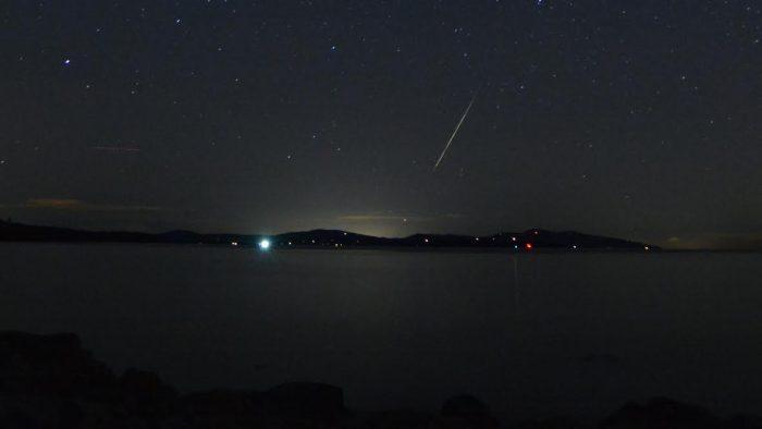 EarthSky's 2018 meteor shower guide Meteor-during-Leonids-San-Juan-Islands-James-Younger-11-18-2015-e1466849147162
