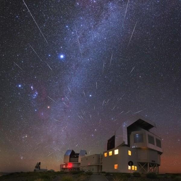 2015 Gemind meteor shower photos Geminid-Atacama-Desert-Yuri-Beletsky-12-13-2015-sq-e1450182076153
