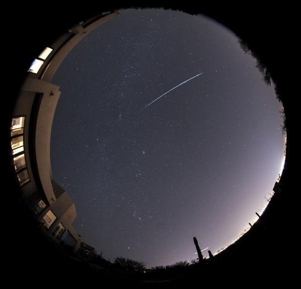 2015 Gemind meteor shower photos Meteor-geminid-fireball-Eliot-Herman-Tucson-AZ-12-2-2015-e1449161658589