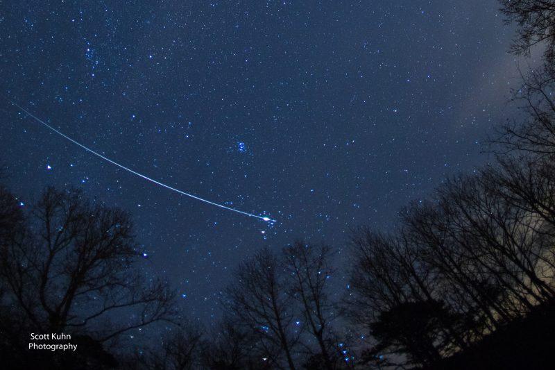 EarthSky's 2018 meteor shower guide Meteor-geminid-fisheye-12-14-2017-Scott-Kuhn-Chatsworth-GA-e1513338273875