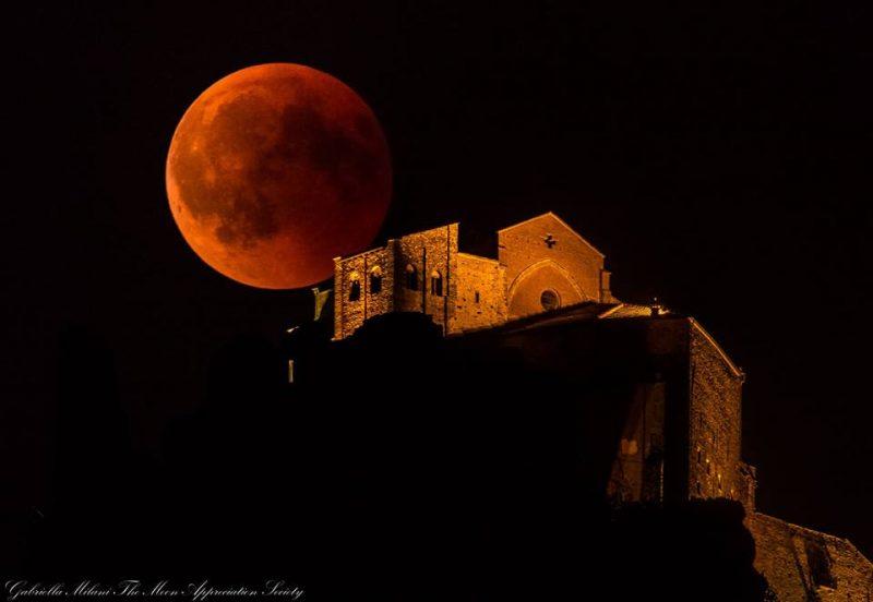 Beautiful photos & Videos! Full moon eclipse and Mars Eclipse-moon-7-27-2018-Gabriella-Milani-Piemonte-Italy-e1532777975373