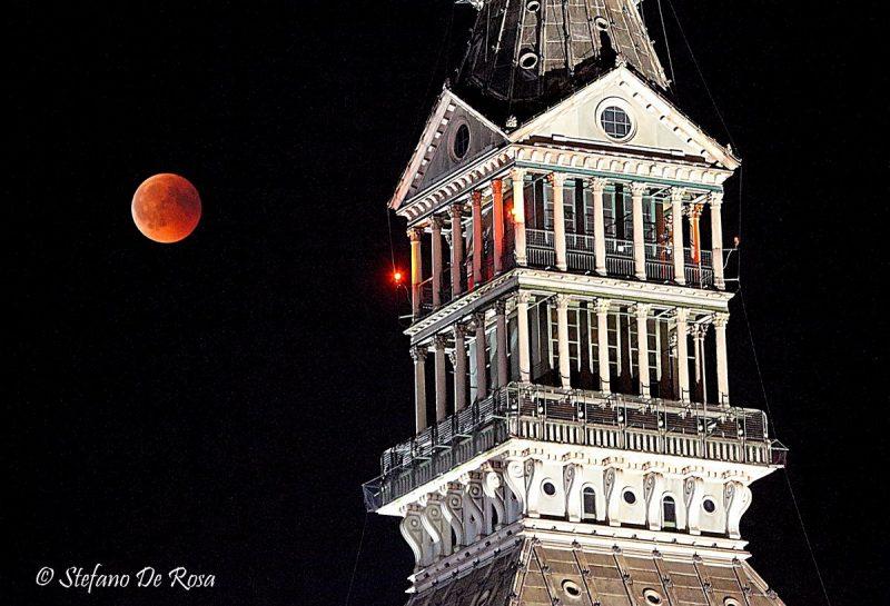 Beautiful photos & Videos! Full moon eclipse and Mars Eclipse-moon-mars-7-27-2018-Stefano-De-Rosa-e1532780198527