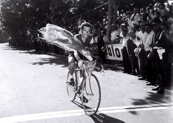 Photos et histoires du passé - Page 12 Tour-1957-privat-a-cannes-blog