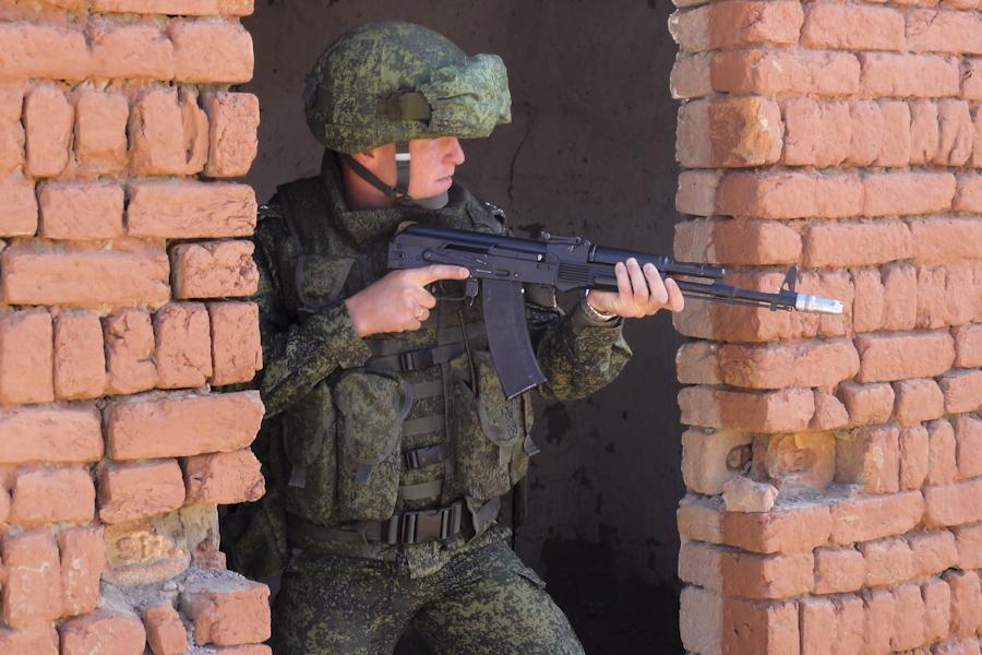 La guerre en image - Portail DSC03862-550