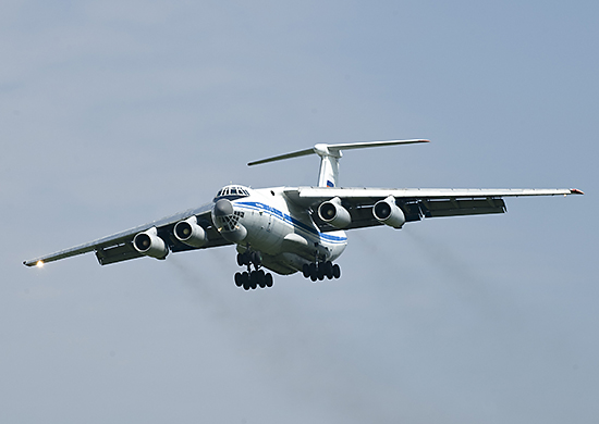 Il-76/476 Military Transports - Page 5 Il-76-DSC1620%283%29%281%29%281%29