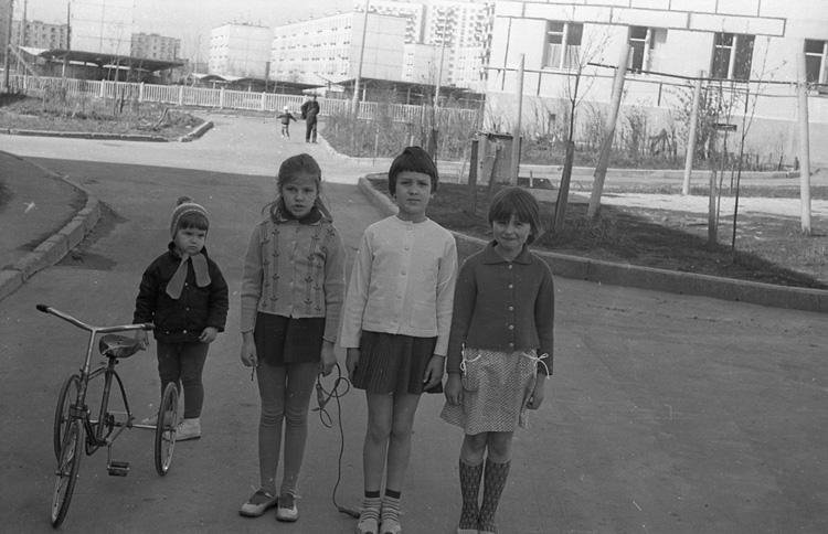[Documental]Los niños de la estación de Leningradsky(El capitalismo en Rusia...) 0076x6wp