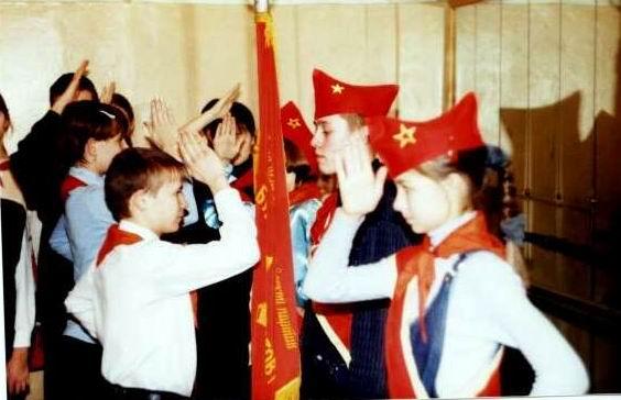 [Documental]Los niños de la estación de Leningradsky(El capitalismo en Rusia...) 2131