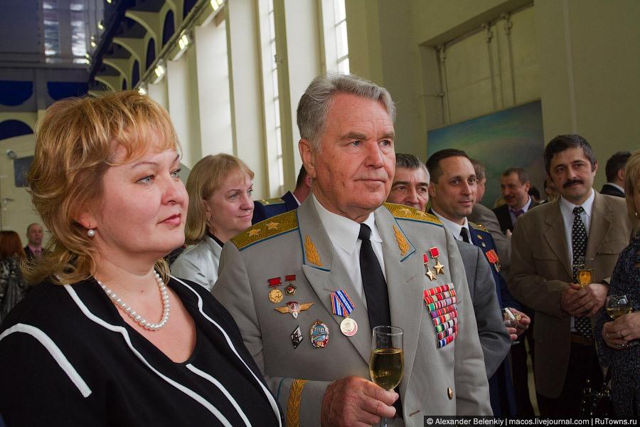 50 ème anniversaire Vol Gagarine - Page 8 511