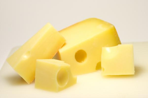 [Jeu] Suite d'images !  Restes-de-fromage